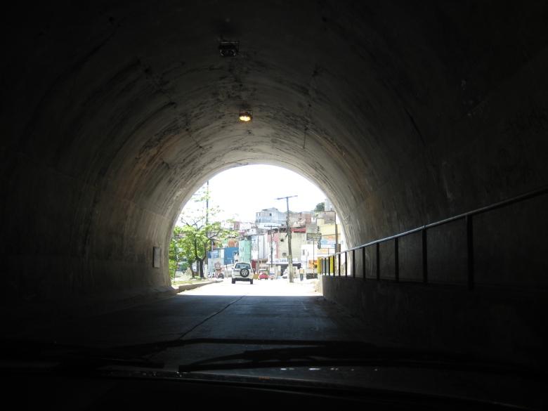 a luz no fim __ túnel , by alf