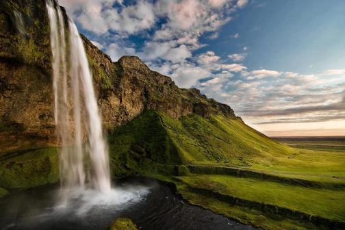Nada há fora do homem que, entrando nele, o possa manchar; mas o que sai do homem, isso é que mancha o homem.